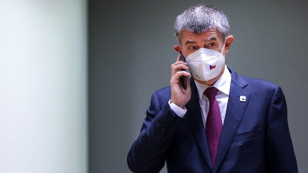 A Cseh parlament nem szavazta meg a szükségállapot meghosszabbítását.