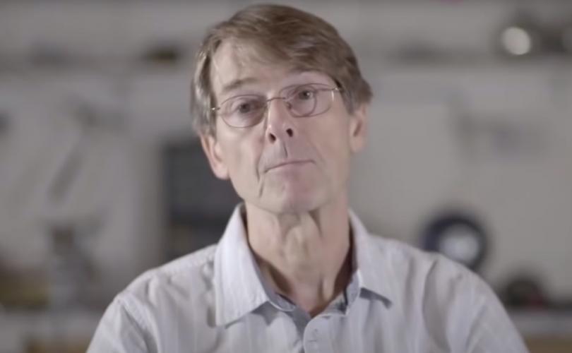 Dr. Michael Yeadon: Nincs szükség oltásokra, a COVID-járványnak vége