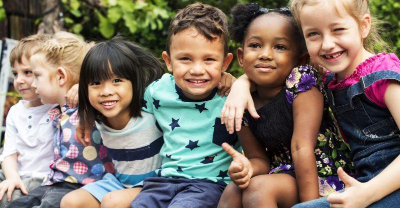 COVID oltóanyagok gyermekek számára történő beadására vonatkozó tervek azonnali felfüggesztése