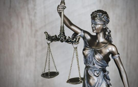 A holland oltássérülés-bejelentő központ a Nemzetközi Büntetőbírósághoz fordul
